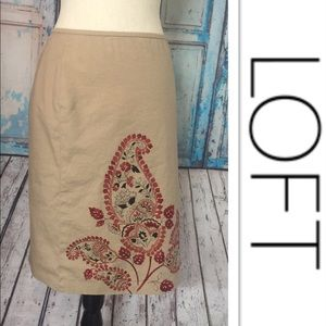 🌸LOFT Neutral Paisley Knee Skirt🌸Sz 4
